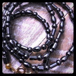Jewelry - Vintage hematite necklace ......